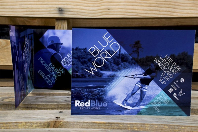 Publicidad creativa Cuadríptico Red Blue