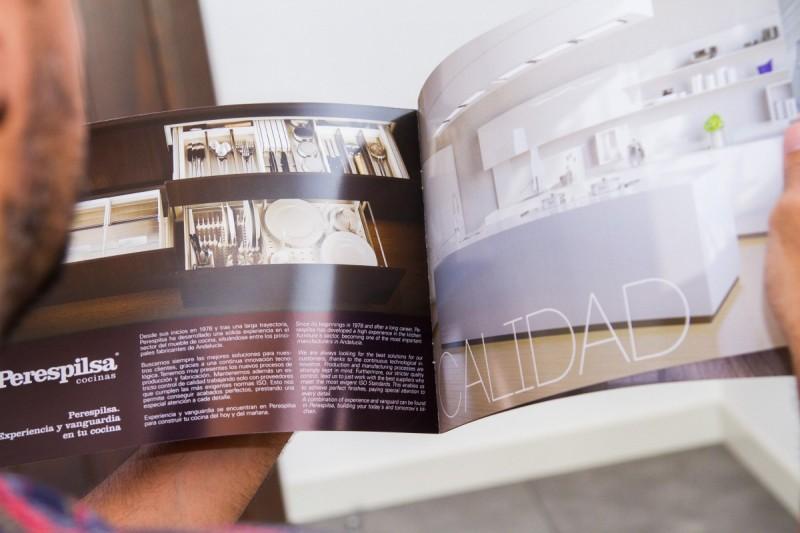 Diseño de Catálogo Mobiliario Cocina