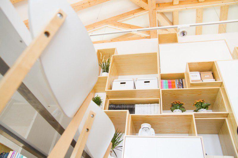 Cerchas de madera en diseño oficina Málaga