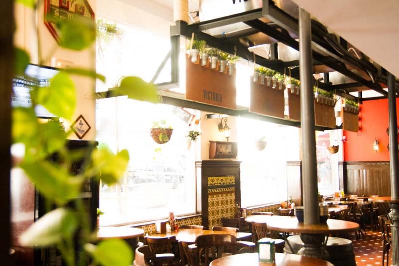 Tematización interior Taberna Málaga | Cerveza Victoria