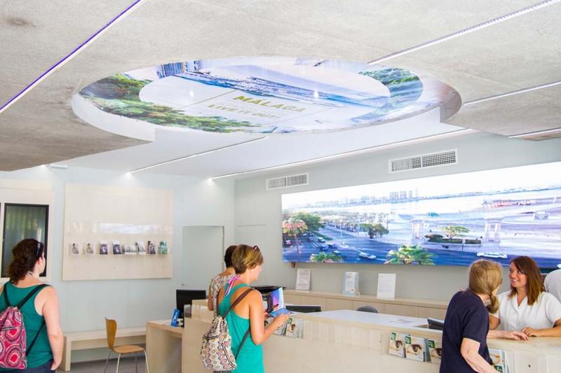 interior oficina de turismo malaga