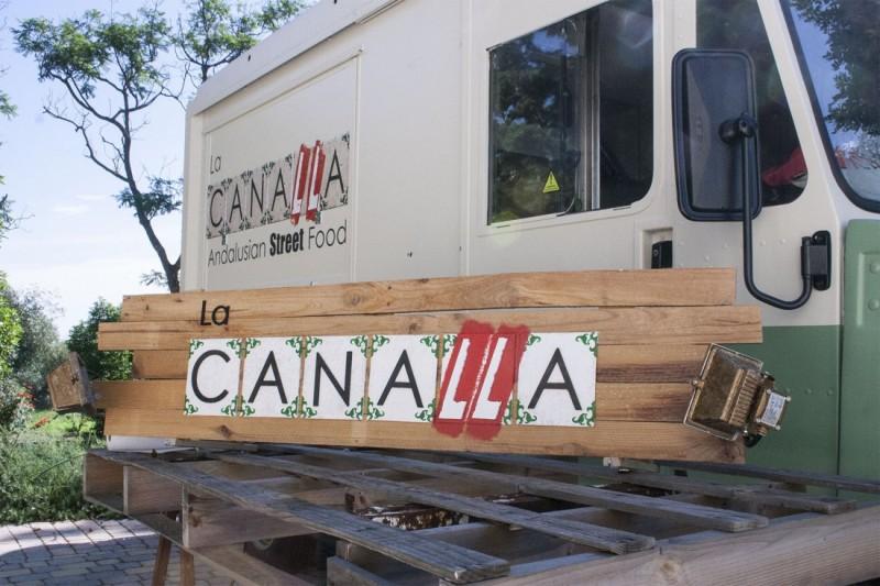 Cartel corpóreo reciclado food truck