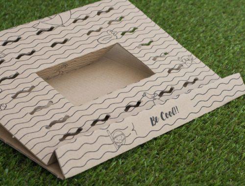 Diseño de cartón soporte para portátiles