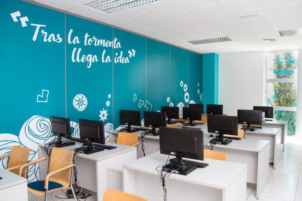 Dise o de oficinas y aulas imfe dise o interior gr fico for Diseno de interiores de oficinas ejecutivas