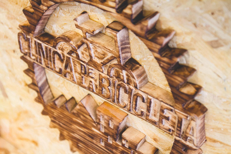 Diseño de Logotipo en madera