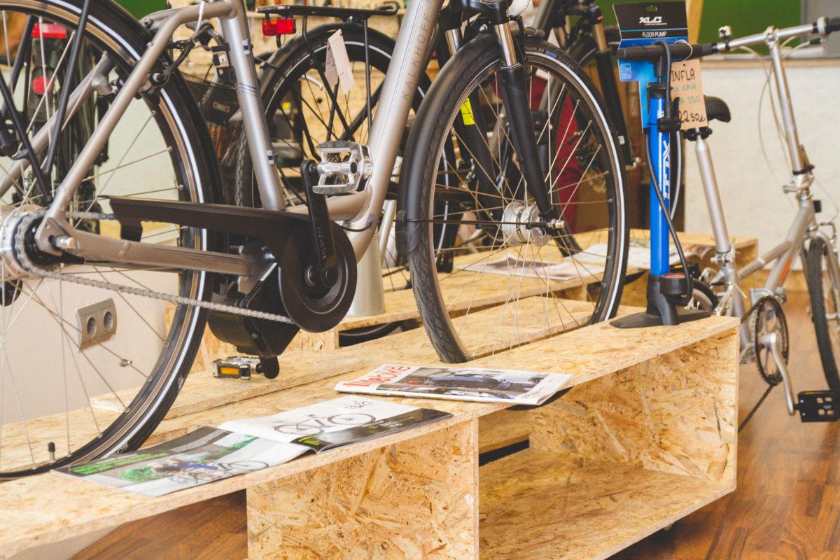 detalle diseño expositores bicicletas