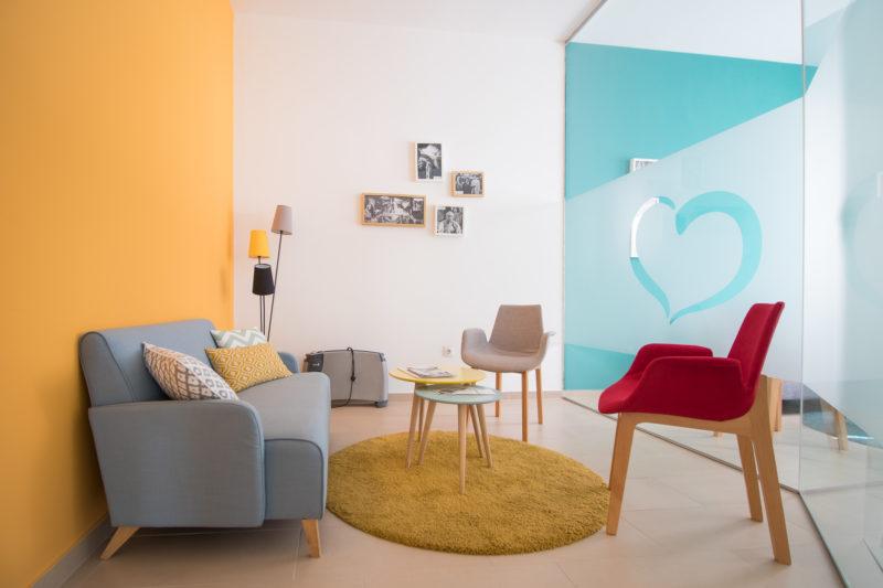 Mobiliario salas de visitas Interiorismo Colegio