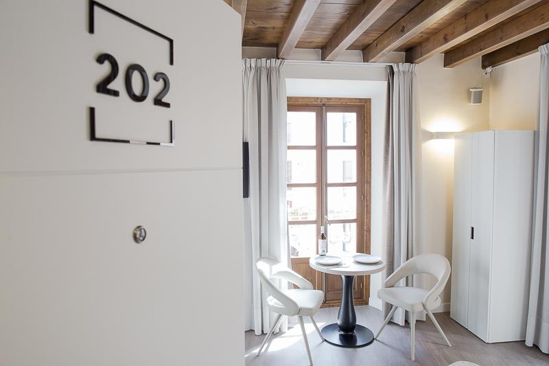 Diseño de Apartamentos Turísticos. Señalética Habitaciones