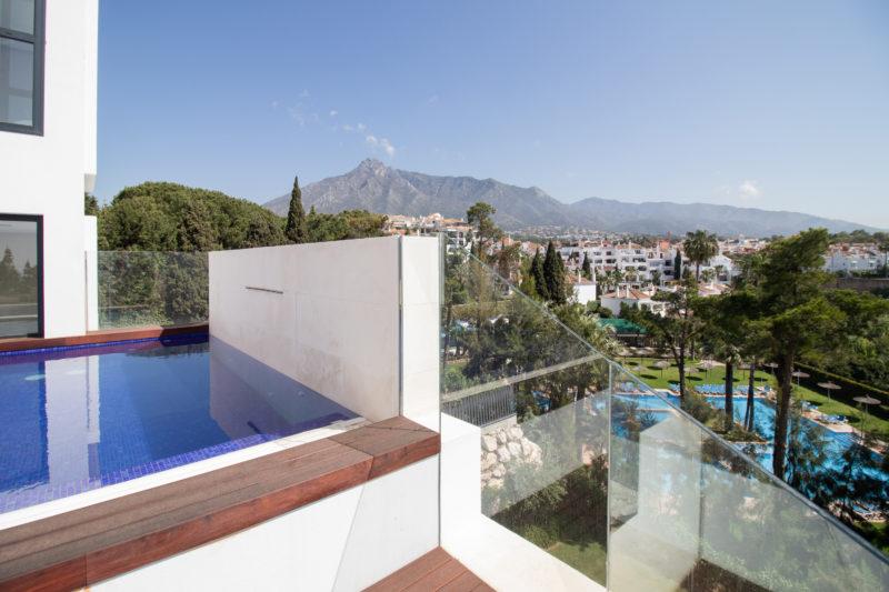 Apartamentos de lujo Señorío Vasari - Piscina Ático