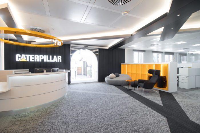 Sala de Espera Diseño Interior de Oficinas Caterpillar