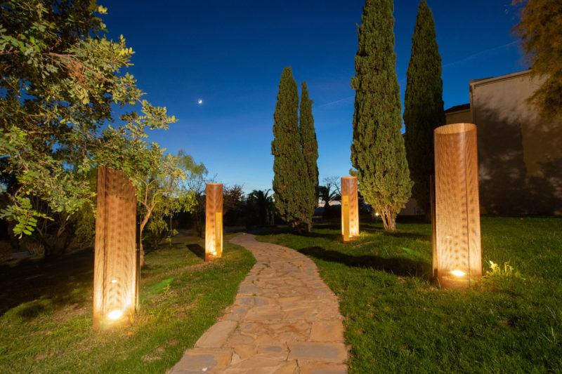 Paisajismo Win Garden Caterpillar Camino Noche