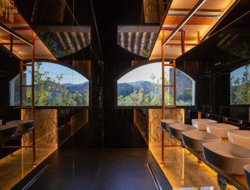 Diseño baños Caterpillar Málaga