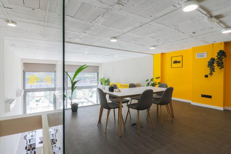 Diseño de oficina sala reunion