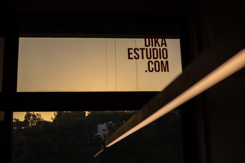 Diseño de oficina ventanal