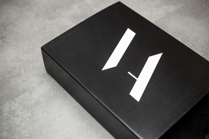 packaging de ropa. Carton fsc