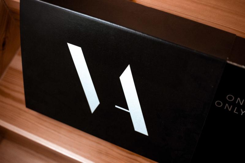 packaging de ropa. Logo